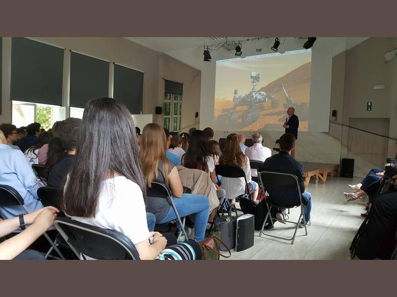 Conférence de Mr Dirk Frimout @ ARV